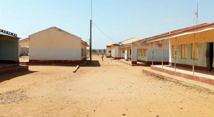 Unidentified gunmen attack school in Nigeria, about 400 children abducted