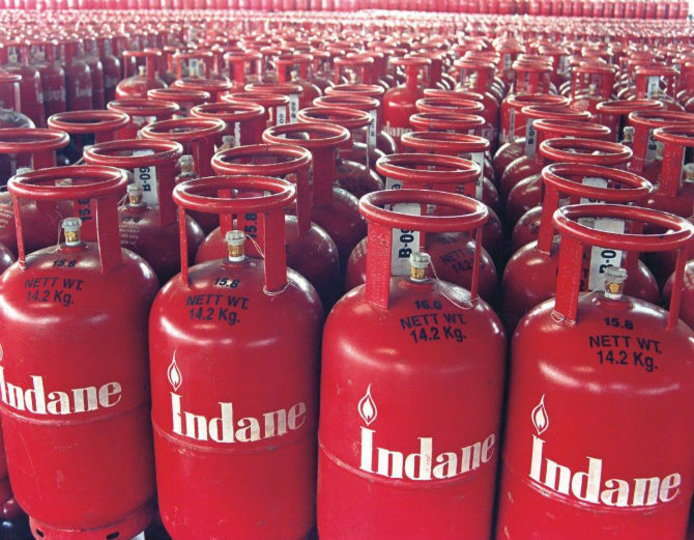 The Center has again increased LPG prices by ₹350 in just 7 months