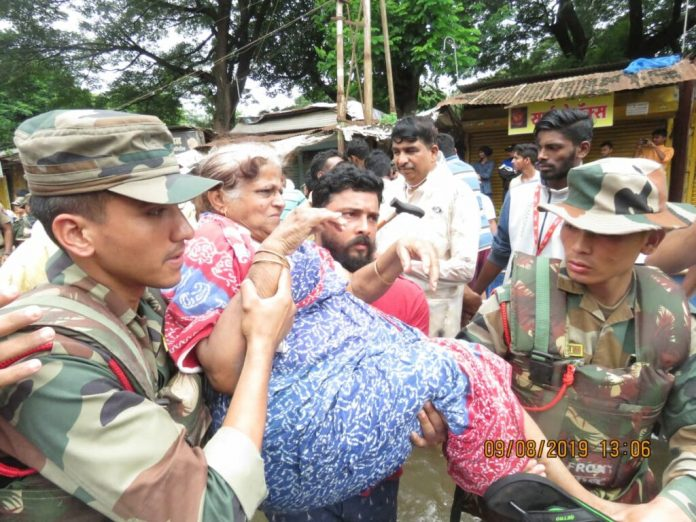 Maharashtra: Indian Army helps in flood-rescue operations In Ratnagiri