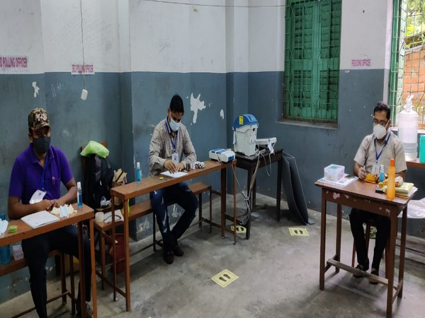 Polling starts in three Assembly constituencies in West Bengal from 7 a.m.